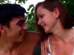 Agile playgirl delivers a gentle shlong-engulfing to a dude in open air